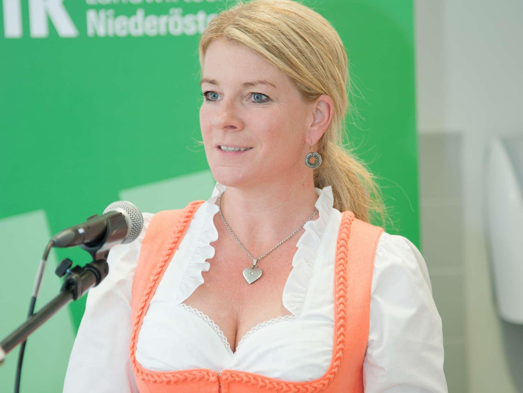 Frauen in Hartberg-Frstenfeld - Thema auf dbminer.net