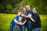 Alexandra Battlogg mit ihrem Mann und den drei Kindern ©Wirlphoto