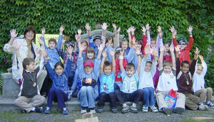 Klasse mit hochgestreckten Händen © LK OÖ