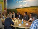 """Beim """"Frühstück mit dem Minister"""" konnte man jeden Morgen gemütlich mit dem Landwirtschaftsminister Mag. Dejan Zidan plaudern, der vorbeikommende Besucher dazu einlud. ©Kristof"""