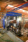 """Der Melkroboter wurde anstelle des Tandemmelkstandes montiert. Eine Einhausung ist nicht nötig, da der Stall als """"Warmstall"""" errichtet wurde. Zur Ableitung der Exkremente beim Roboter musste ein Abflusskanal errichtet werden. ©Josef Rechberger/LK Niederösterreich"""