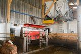 Der Melkroboter ist als Übergangslösung im neuen Zubau installiert, jetzt wird der Altstall umgebaut und danach der Roboter am Zielort (Altstall) eingebaut. ©Josef Rechberger/LK Niederösterreich