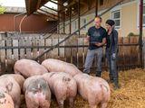 Besonders wichtig ist Familie Rathmair, den Konsumenten zu vermitteln, wie ein Bio-Betrieb wirklich aussieht. Die Familie würden den Umstieg auf einen Bio-Schweinemastbetrieb jederzeit wieder machen. ©Bio Austria